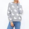 grijze pullover witte konijntjes