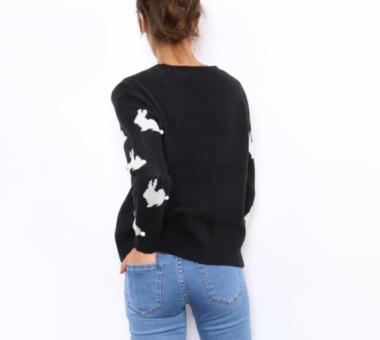 zwarte pullover witte konijntjes